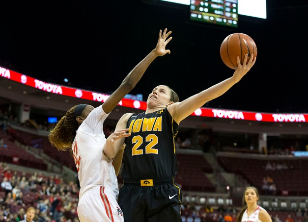 Iowa Hawkeyes guard Samantha Logic (22) goes to the hoop during the first half of their game against the Ohio State Buckeyes Saturday, Feb. 21, 2015 at the Schottenstein Center in Columbus Ohio.  (Brian Ray/hawkeyesports.com)