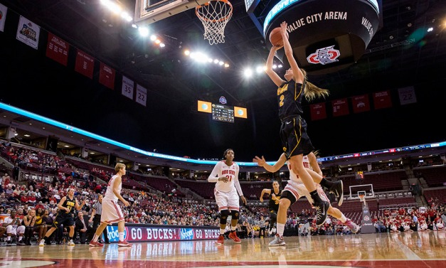 Iowa Hawkeyes guard Ally Disterhoft (2) drives to the hoop during the first half of their game against the Ohio State Buckeyes Saturday, Feb. 21, 2015 at the Schottenstein Center in Columbus Ohio.  (Brian Ray/hawkeyesports.com)