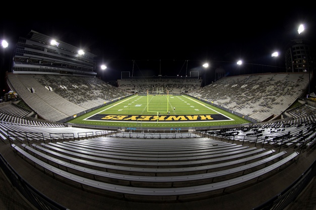 Workers from MUSCO test the new stadium lights in Kinnick Stadium for the first time Tuesday, Sept. 8, 2015 in Iowa City. (Brian Ray/hawkeyesports.com)