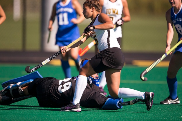 Iowa Hawkeyes forward Joella Guagliardo (05) scores during their game against the Saint Louis Billikens Sunday, Sept. 13, 2015 at Grant Field in Iowa City. (Brian Ray/hawkeyesports.com)